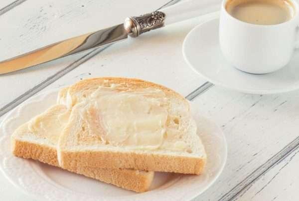 Entre manteiga e margarina, qual delas é a mais saudável?